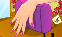 Play Miss Diamond&#039;s Nail Prep Games